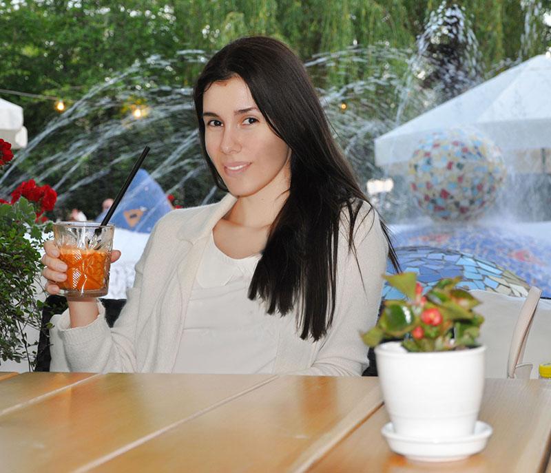 Online Dating Restaurant girl mädchen frauen